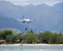 Flights to Hawaii: United Airlines Landing at Honolulu International Airport