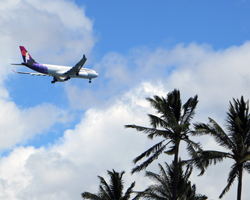 Flights to Hawaii: Hawaiian Airlines Landing at Honolulu International Airport