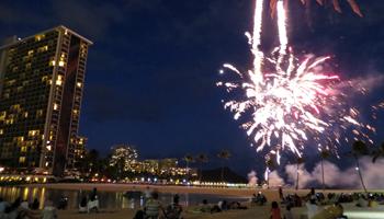Waikiki Fireworks3 at Hilton Lagoon