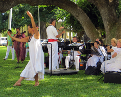 Free Honolulu Entertainment by the Royal Hawaiian Band at Iolani Palace