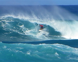 Dale Staples Gets in a Tube at the 2013 World Cup of Surfing, Vans Triple Crown of Surfing