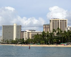 Waikiki Beach Hotels: Hilton Hawaiian Village Waikiki Beach Resort