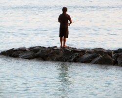 Fishing in Hawaii at Waikiki Beach